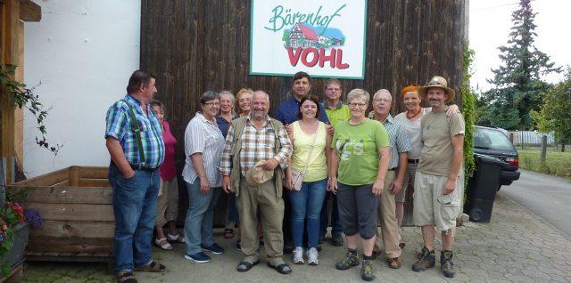 Gruppenbild der Teilnehmer auf dem Bärenhof